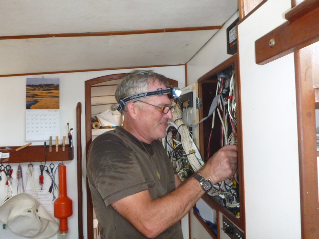 llyr sailing pacific on the horizon line cruising blog
