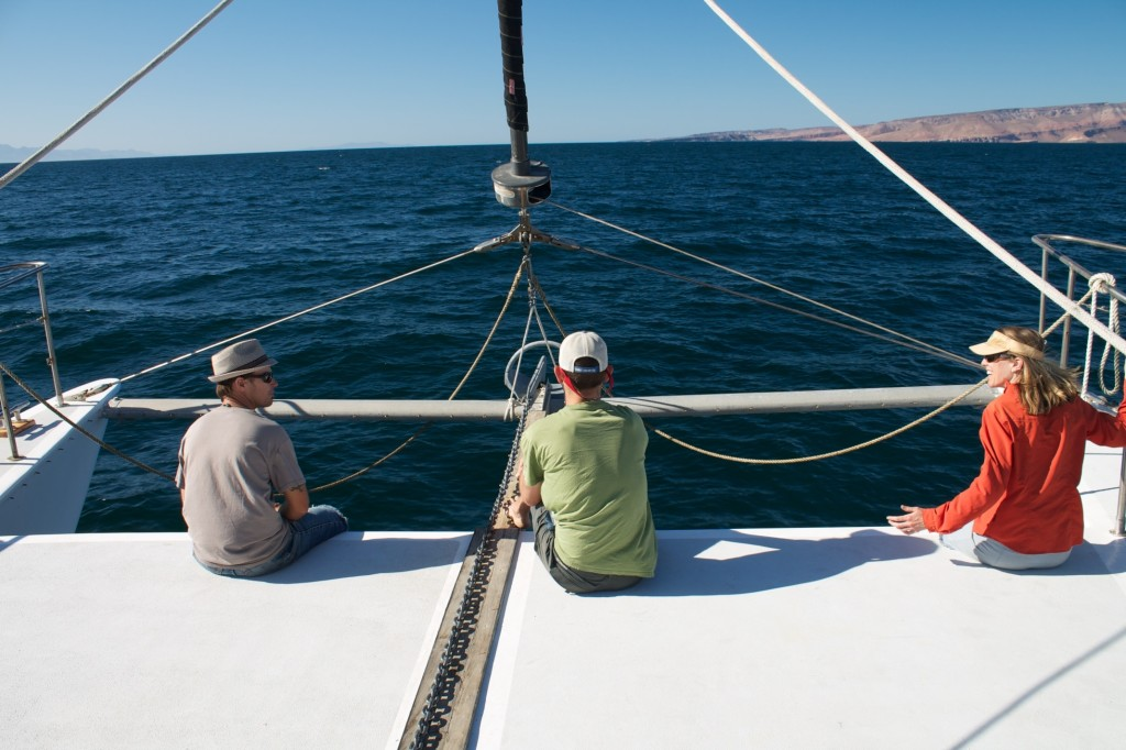on the horizon line - sailing and traveling and fishing blog in mexico