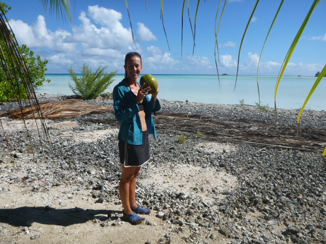 sailing in south pacific on the horizon line travel blog brianna randall and rob roberts